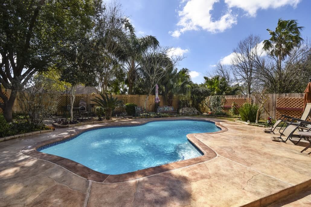 Carvestone Pool Deck
